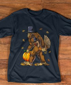 Bigfoot Pilgrim Turkey Pumpkin Thanksgiving Day Boys Men T-Shirt