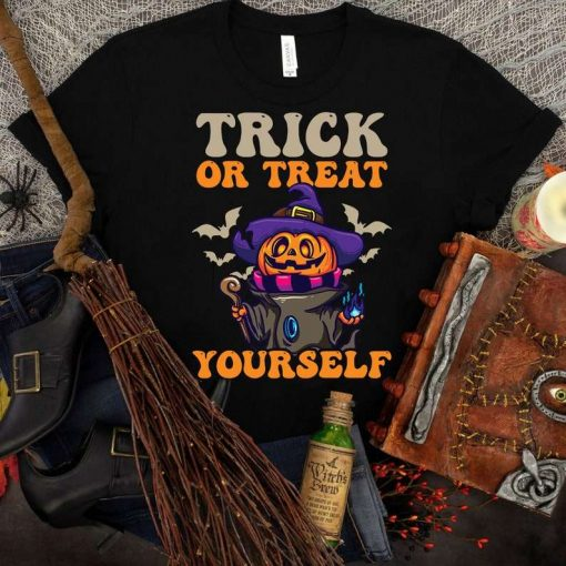 Halloween Pumpkin Trick Or Treat T-Shirt